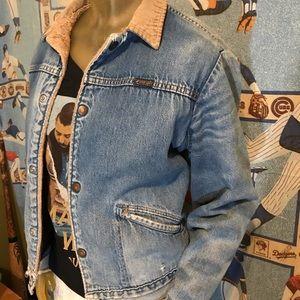 Vintage Jackets & Coats - Vintage Distressed Wrangler Sherpa Denim Jacket
